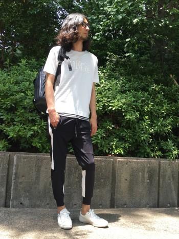 BIGTシャツ×ジョガーパンツ