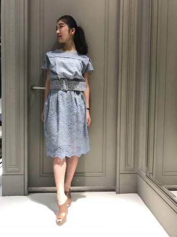 ボタニカルレースドレス