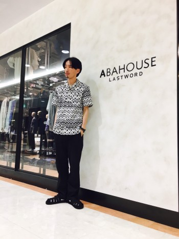 ABAHOUSE 総柄プリントシャツ