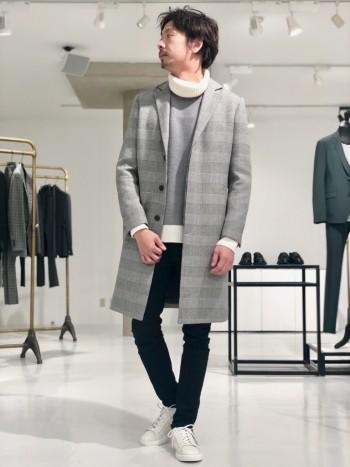 スーツの上からも着用頂きやすいタイプです。 トレンド感のあるチェック柄やほんの少しゆるめなシルエットがいいです。