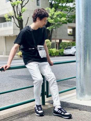 歩きやすくてデザイン性もあるスニーカー。