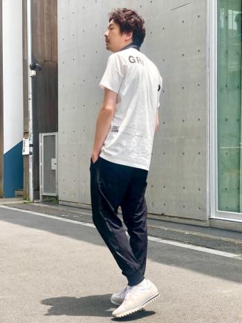 シンプルながらも歩きやすさ、細部のデザインに凝った一足。 着用イメージと説明はこちらhttps://abahouse.jp/mens/coordinate/255641