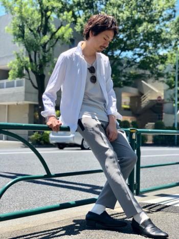 涼しげな夏向きシャツ。細身の感覚を楽しめます。https://abahouse.jp/mens/coordinate/256867
