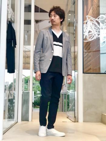 アウラックスパターンを用いたきれいめデニム。 裾が細めです。https://abahouse.jp/mens/coordinate/258822