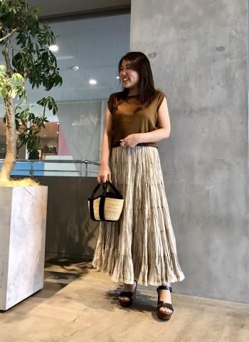 154㎝で足首が見える長さです。コットン素材なので見た目以上に軽く、穿き心地抜群◎ボリューム感と配色が可愛いスカートです!