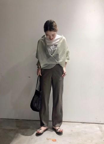 158cm 36サイズ フラットで少々裾がたるむぐらいの長さでした。 クタッとしたリネン素材が味を出してくれるおススメパンツです◎