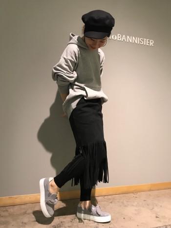 履き心地がよく、歩きやすいです。 程よいボリューム感なので、 コーディネートのバランスが取りやすいです。