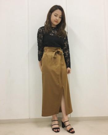 新作サテンスカート★