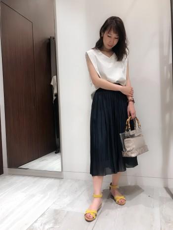 新色☆エアリーメタルサテンスカート