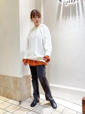 そのまま着ても、重ね着レイヤードスタイルも可愛くなれる優れもの★ 薄すぎるブラウスじゃないので寒い時期にも◎