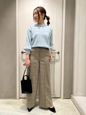 155cmでサイズ36を着用。フラットシューズでぎりぎり裾を踏まない絶妙な丈感!ヒールを履くとより綺麗な印象になってくれます!