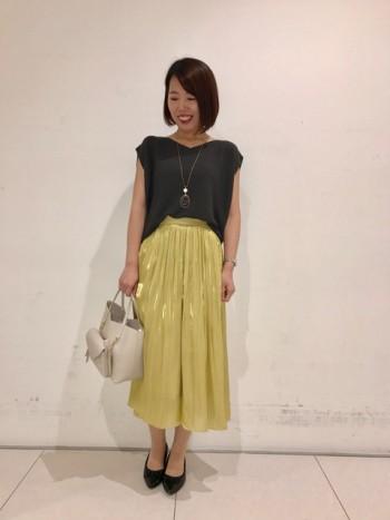 大人気のスカーチョの新色!