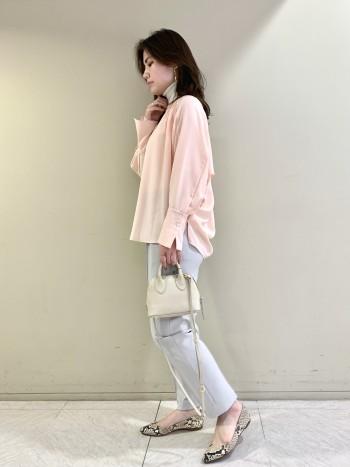 【池袋西武店】162cmでヒップが完全に隠れる丈です。前は骨盤丈なのでインせずに着られます。