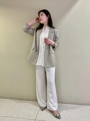 【池袋西武店】とろみ感と光沢が差のつくシャツです。ニットレイヤードでもしっかり裾が出ます。