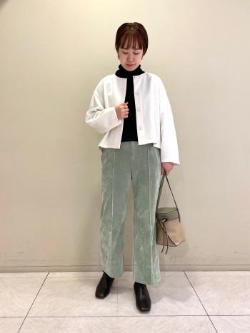 【池袋西武店】ウエスト、ヒップ回りがジャストサイズでした。着丈は足首が出るぐらいなので、秋はブーツと合わせて履きたいです。