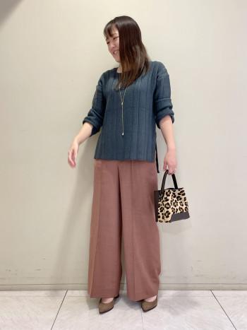 【池袋西武店】身長160cmいつものサイズ感で丈感もウエストもぴったりでした!ハイウエストなのでスッキリ綺麗に履いていただけます!