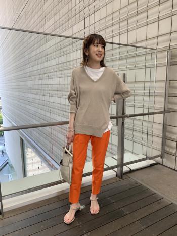 「有楽町マルイ店」フリーサイズなので体型も選ばず着やすいです。初夏までしっかり着用できる1枚で着映えするニットなのでオススメです。
