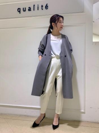 京都髙島屋☆軽くてさらっと羽織っていただける今から丁度いいアウターです! 冬になるとコートの下にカーディガン代わりとしても◎ 155センチの身長の私でも長すぎない丈感で着やすいです♪