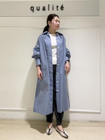 【京都高島屋】骨格ストレートタイプで上半身にボリュームのある体型ですが、身体のラインを拾わずスッキリ着れました!ボートネックデザインで女性らしさが出ます。INしなくてもバランス良く着れる丈になりました。