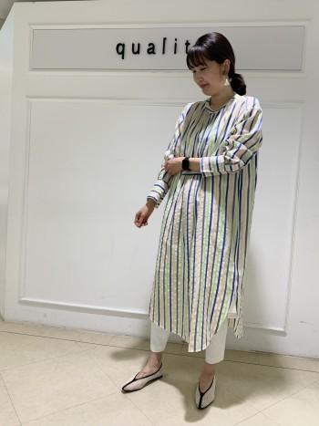 【京都高島屋】169cm、38を履いて足首見える丈感です。柔らかくて、ホワイトなのに透け感があまり気にませんでした!