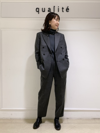 【京都髙島屋】私自身肩幅はありますが、張った感じにならずに着れました、丈は少し長めのちょうどいい長さです。