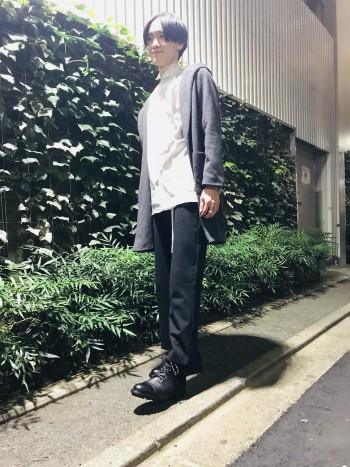 ブーツタイプなのでジャストでも、大きめに履く事もできます。 zipを採用している為、着脱の楽さが魅力。