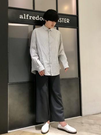 一番大きいサイズが9ですが、27.5で甲幅ともに大きい足の私はジャストでした。編み編みなので、擦れなどは感じませんでした。