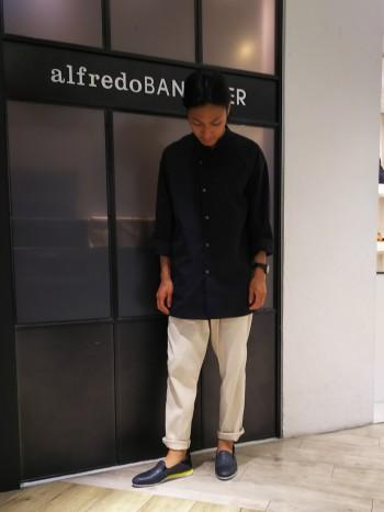 スニーカーで25.5~26cmを履く私が、40で丁度のサイズ感でした。