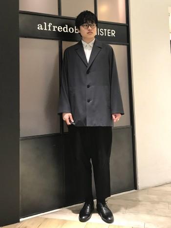 ルミネエスト新宿店のみお取扱いしております。 サイズ感はやや小さ目、横幅に懸念のあるお客様はワンサイズ大き目でも◎。