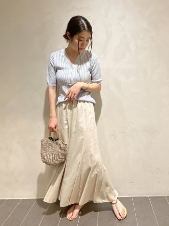 普段パンツのサイズは36です。さらっとしており今の時期に快適に履いていただきやすいです!