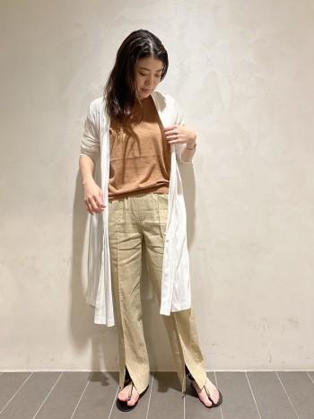 首元も詰まりすぎず絶妙なラインでキレイに見せてくれます♪フレンチ袖なので一枚で着れ、サラッとしておりとっても涼しいです!