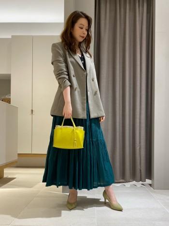 ショルダーと2wayでポケットも充実。長財布も入るので普段使いしやすいです。