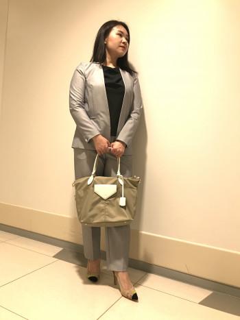 【AU東京大丸店】縦30cm 底幅28cm マチ14cm