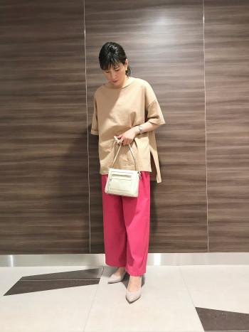 【AU東京大丸店】ぴったりサイズ感ですが、馴染めば問題なくちょうどよく履けそうです。