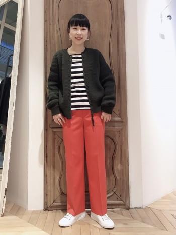 シルエットが綺麗でスタイルアップ効果◎色違いで揃えたくなるパンツです。丈詰めもなく履けます!