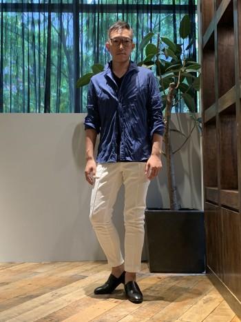 夏の定番のノンナイロンシャツ。シワなど気にせずにガシガシ使える所が良いですね。5351のシャツのベーシックなシャツとサイズ感は一緒です。通常通りのサイズ感でいいと思います。(176cm・68㎏)