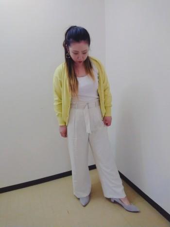 シンプルなデザインでお洋服に合わせやすいです!
