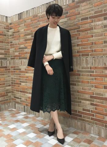 腰回りさはかなりスッキリ見え、インしてもラインが綺麗です。 ロングコートと合わせもしやすい丈感となってます。