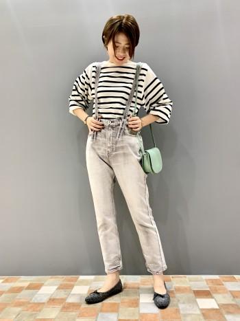 身長164cm。サイズFREE。 裾がやや長めでインスタイルがしやすいデザインです。ニットですが、きめ細かい網目なので着心地が良いです。