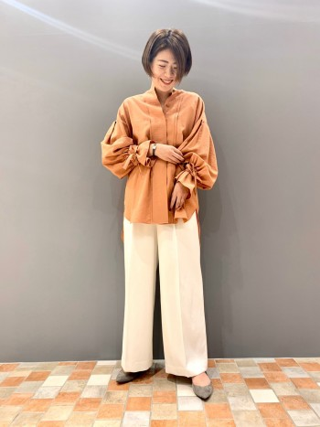 身長164cmで後ろがお尻まで隠れました。 通常36ですが、少しゆったり目なデザインでスカートよりパンツの方が合わせやすかったです。 羽織としても使えます。