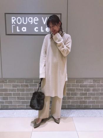 ワイドなリブがこなれた雰囲気の二ットパンツです。形がキレイなニットパンツは今季一着は持っていたいアイテム。