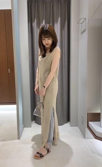 裾のフリンジがアクセントになって可愛いです!ロング丈でシルエットもスッキリ♪