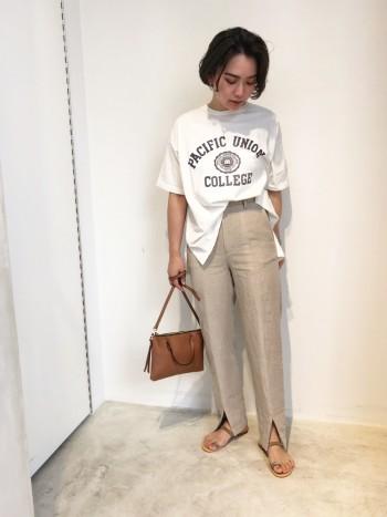 肌触りの良いTシャツです◎ 柔らかい素材なので、バックシルエットでもボリュームが出過ぎず着やすいです!