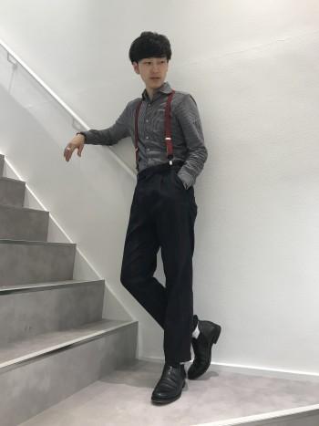 足首丈の使い勝手の良いブーツ サイドゴアなので脱ぎ履きも楽 サイズ感は大きめなのでワンサイズ下でもいいと思います