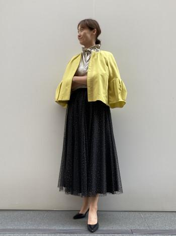 地厚なコットンキャプラ素材と二重になったチュールスカートなので透けの心配はありません。 ボリューム感が他にない魅力あるスカート。