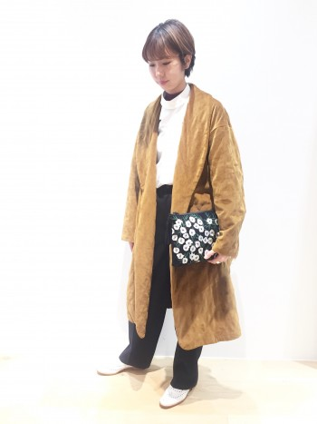 ◆秋冬注目のベルベット素材のコート◆