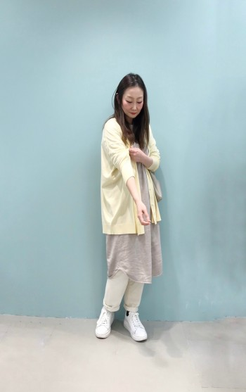 柔らかい素材で馴染みやすいです。 しっかりした素材なので、透け感も気にせず履けます。