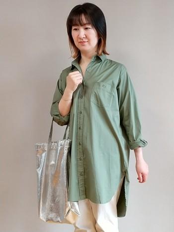 軽くてさらっとした生地なので、春から秋と長く着用できます。 洗濯後もすぐに乾いてシワになりにくかったです。