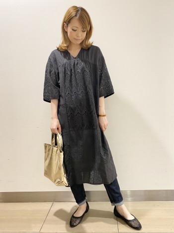 お袖は上着をかけなくても着やすい肘までの長さです!刺繍のデザインが涼しげでとても可愛いです♪