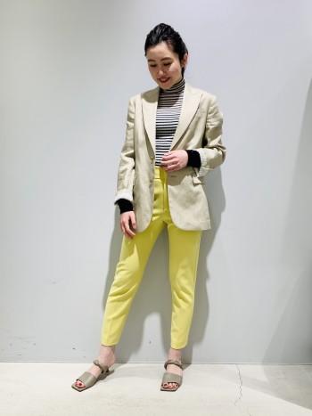 新色の春らしい黄色のダブルクロスパンツです。 ストレッチが良く利いていて履き心地抜群です。